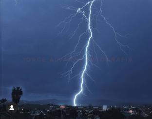 Esta es la foto más impresionante de la tormenta en Vélez que verás hoy