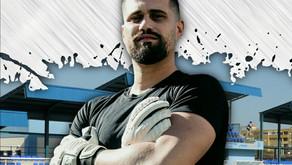 El Vélez CF anuncia la renovación del portero Álex Caro