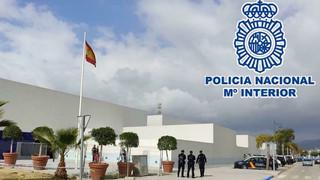 Última hora: Amplio operativo de la Policía Nacional en un establecimiento de Torre del Mar
