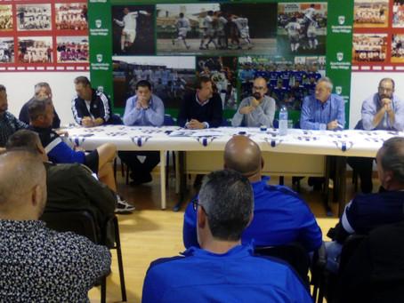 El Vélez puso la dirección deportiva en manos de los inversoresdimitidospor 75.000euros