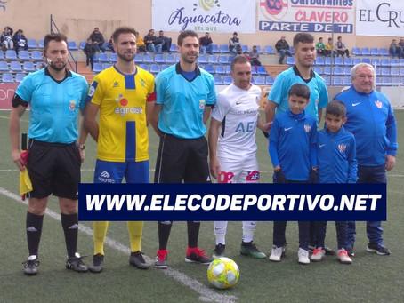 El Vélez se complicó la vida para ganar al Huétor-Tájar (3-2)