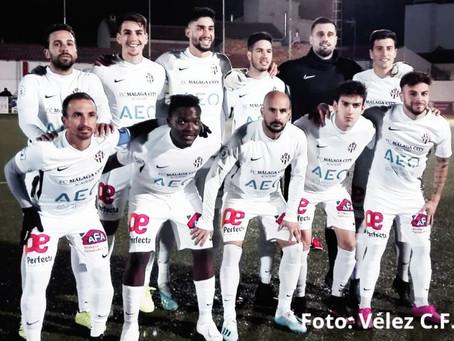 Javi Fernández y Vergara rescatan al Vélez en Torreperogil (2-2)
