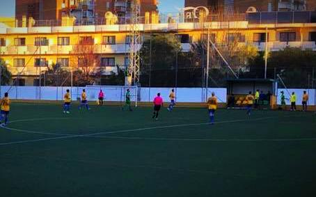 El Barrio alarga su mala racha con una derrota ante el Benamiel (2-0)