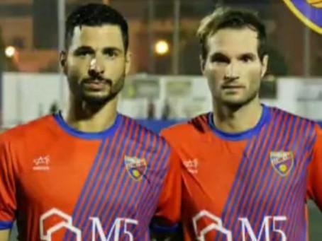 Los ex del Vélez, Guerra y Nacho, dan con sus goles seis puntos al Torre del Mar