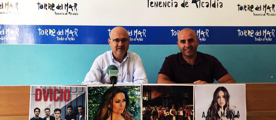 Dvicio, Elsa Ríos, la Comparsa 'Los Mafiosos' y Ana Mena, actuaciones estelares de la feria de Santi