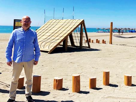 Torre del Mar estrena en sus playas el parque Jumanji, un nuevo espacio destinado a los más jóvenes