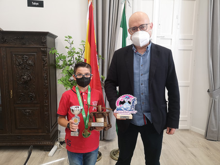 Recibimiento oficial en Torre del Mar al joven campeón andaluz, Rubén Ocón