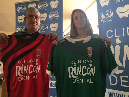 La Escuela de Fútbol de Torre del Mar presenta su nueva equipación
