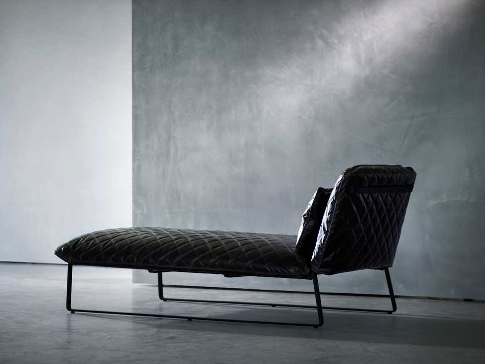 MARKET REVIEW // KEKKE SERIES CHAISE BY PIER BOON