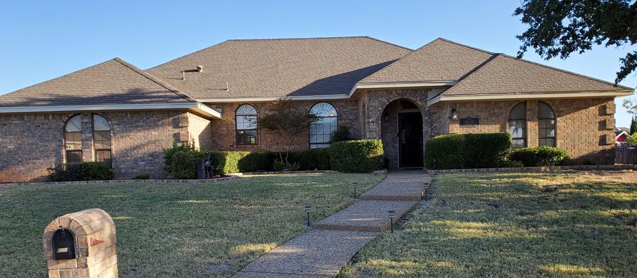 Estate Sale in the Bluffs!