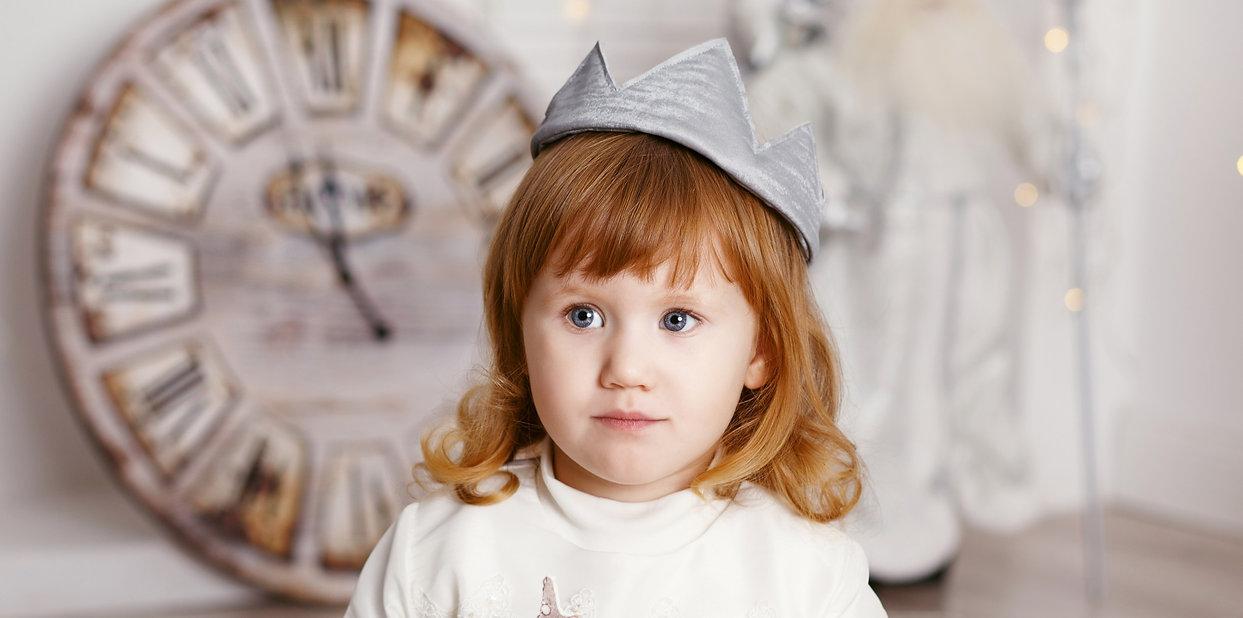 portrait-of-beautiful-little-girl-in-whi