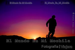Fotografia de un bereber del sahara en marruecos en zagora en el amanecer