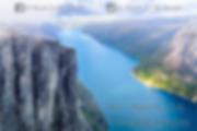 Fotografia de Lysefjord en noruega en la roca de kjerag