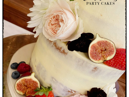 5 Things to Consider When Using Fresh Flowers on Cakes