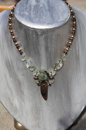 """Voodoo Princess"" Agate Horn Necklace"