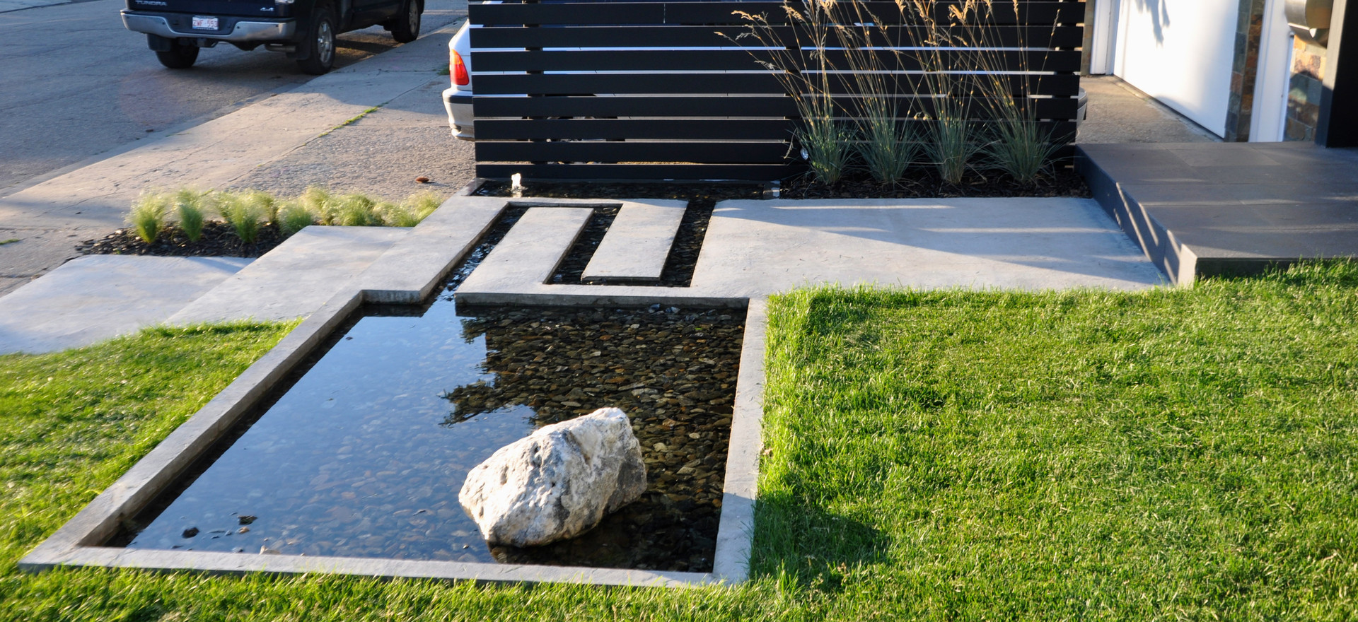 6203 Pond Detail With Driveway Screen