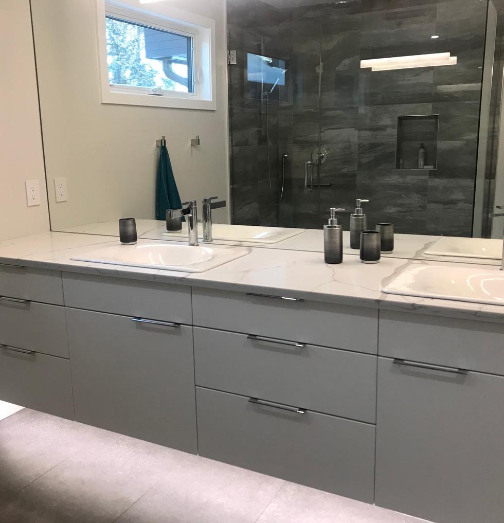 Sommerville Master Bathroom