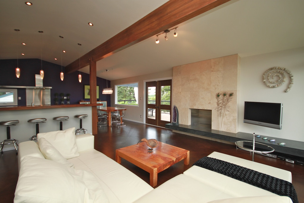 6303 Living Room