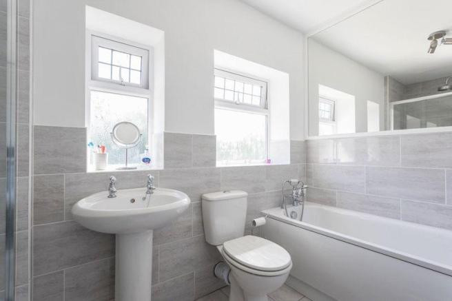 Bathroom Coole Lane.jpg2.jpg