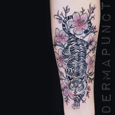beautiful tiger tattoo, dermapunct