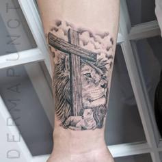 lion and lamb tattoo, cross tattoos, der