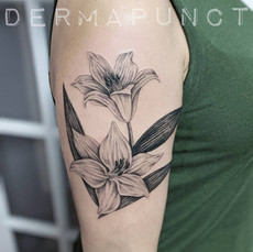 scar cover lily tattoo, dermapunct.jpg