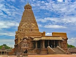 What are some interesting facts about Brihadeeswara temple in Thanjavur?