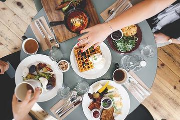 Table lors d'un repas