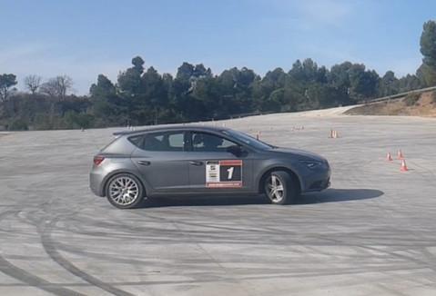 Stunt drive school escuela curso conducción especialista cine stunt driver barcelona coche a dos ruedas drift