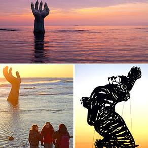 ดูพระอาทิตย์ขึ้นผ่านมือยักษ์ (Gigantic Hand Sculpture: Homigot, Pohang)