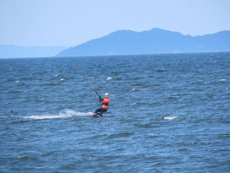 7月25日の小松海岸カイトボード
