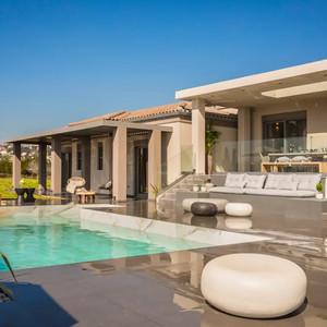 Superior Luxury Villa with Private Pool!