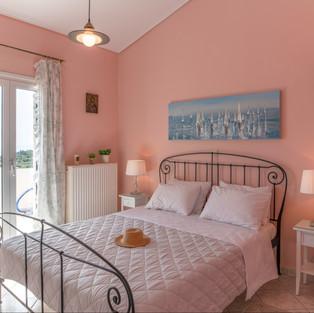 15 Top Floor bedroom.jpg