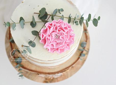 Een boho Cake Smash Fotoshoot voor een vijfde verjaardag
