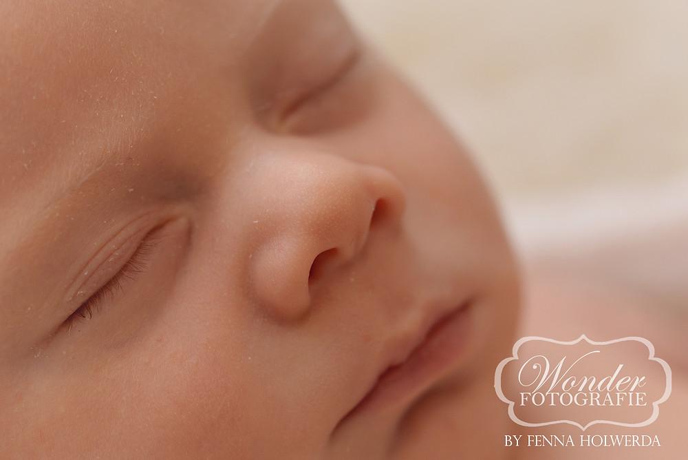 Newborn Fotoshoot Beste Newborn Fotograaf Kuif Hanekam Kapsel Babyfotoshoot Babyfotografie Almere Baby rossig haar