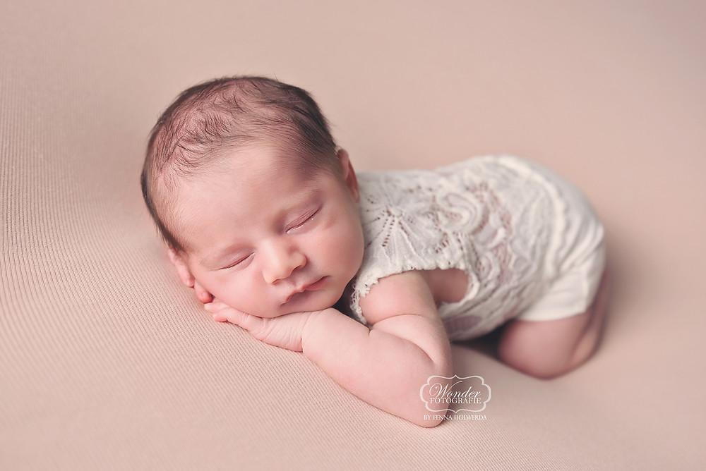 Newborn Baby Fotoshoot Overijssel Friesland Flevoland Kinderfotograaf Kinderfotoshoot