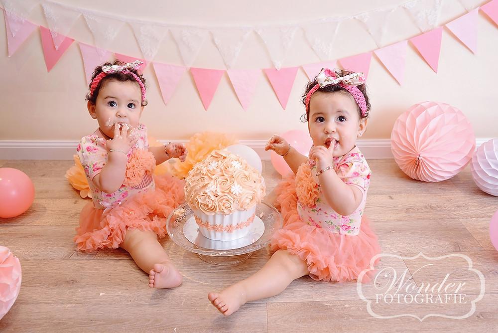 Cake Smash Fotoshoot Tweeling Meisjes Fotograaf Almere