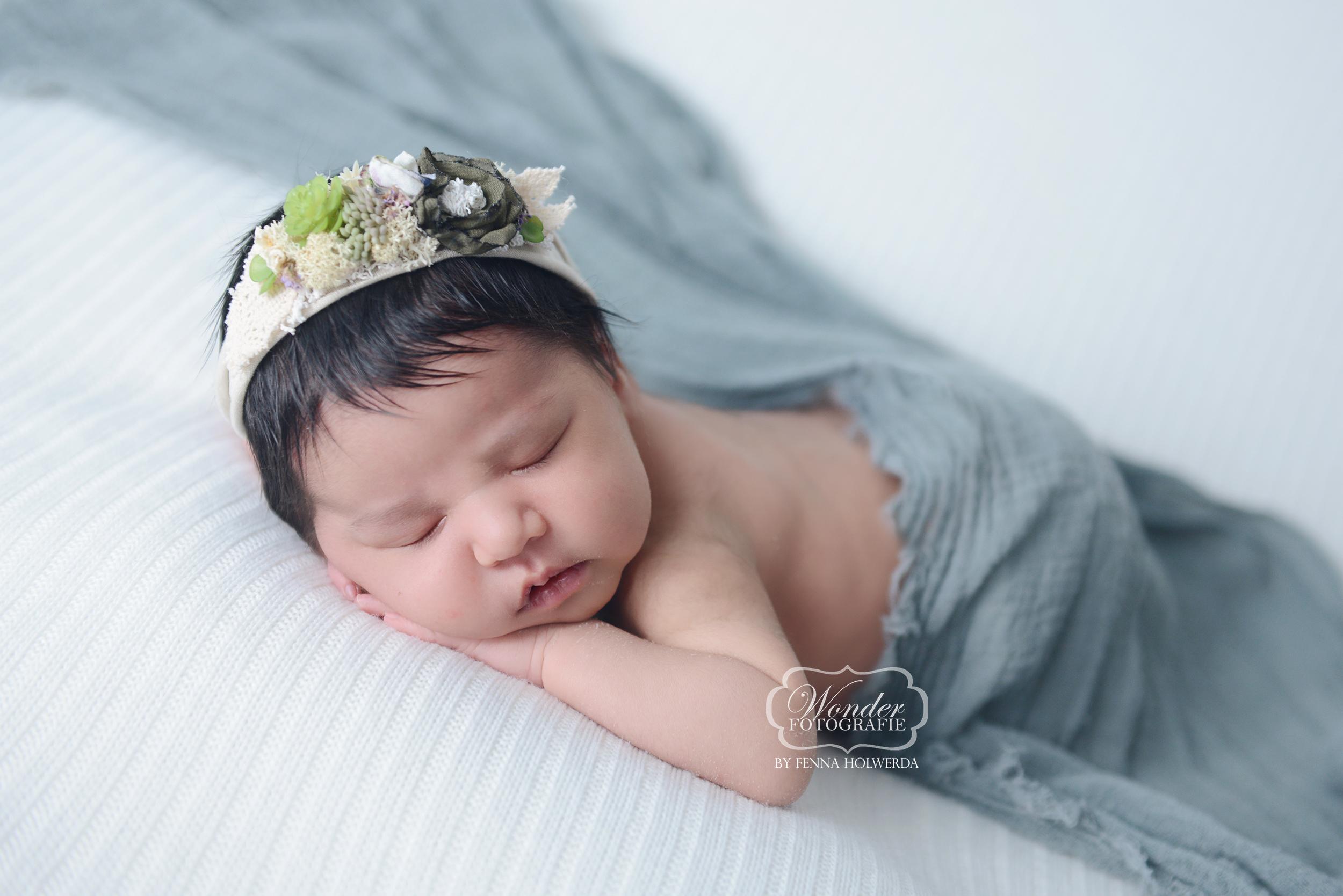2 Newborn Fotoshoot baby babyshoot fotografie almere