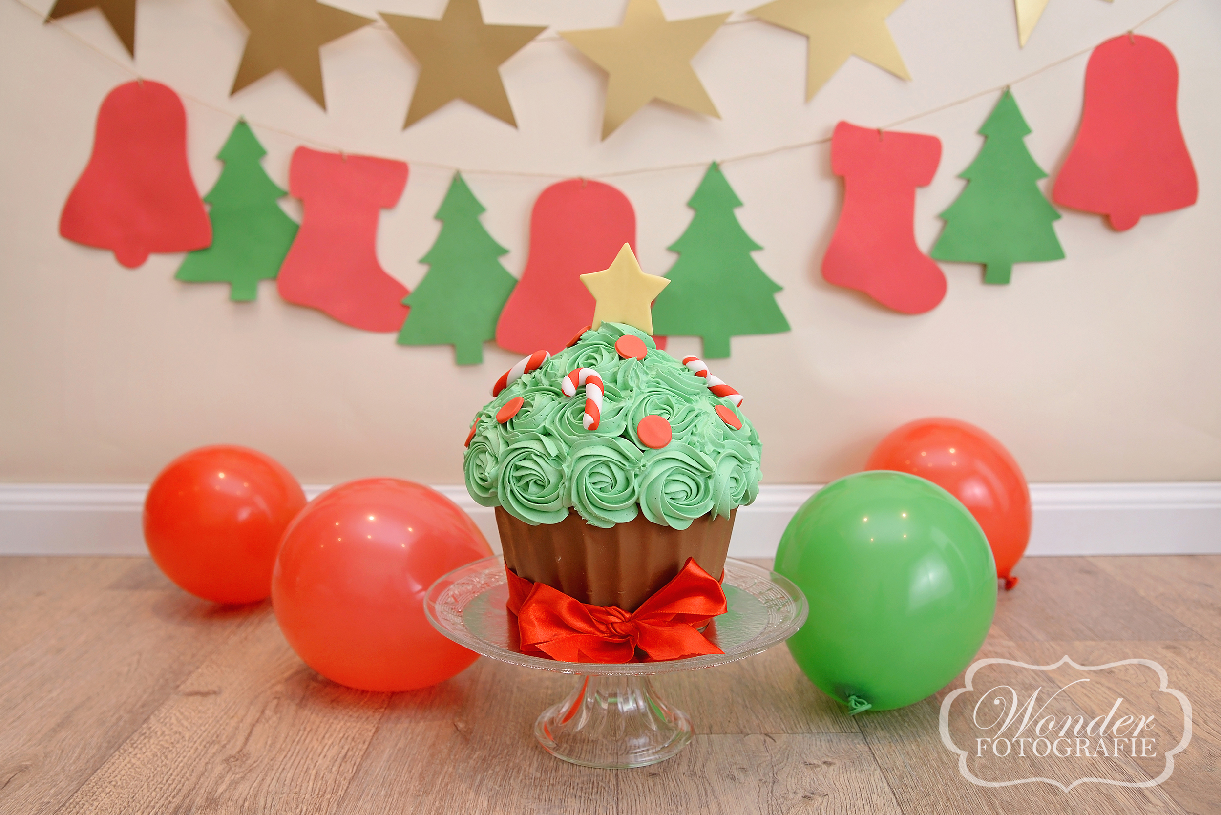 kerst thema cake smash fotoshoot almere christmas theme photoshoot