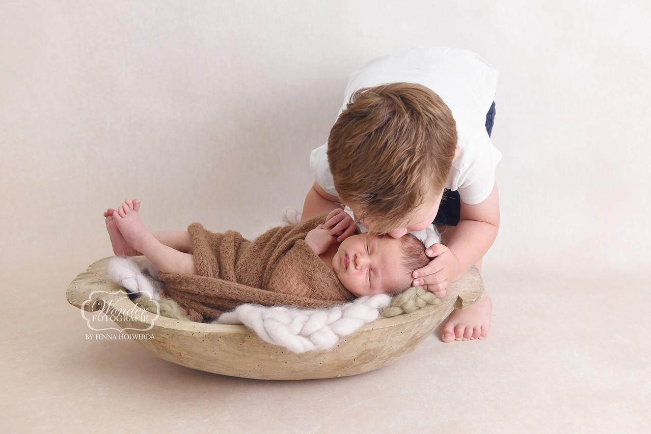 8 Newborn photographer Fotoshoot baby fo