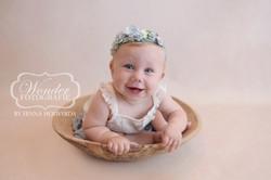 Sitter Session Baby portret fotoshoot Babyfotoshoot 8 maanden baby zelfstandig zitten mooi