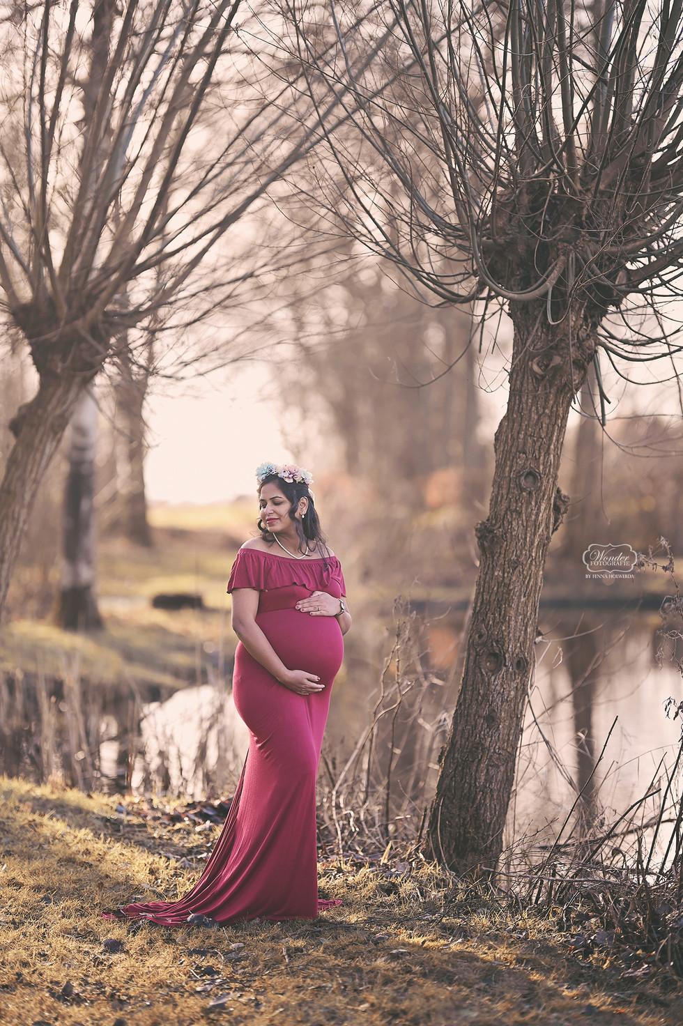 zwangerschapsshoot buiten boho warm riet