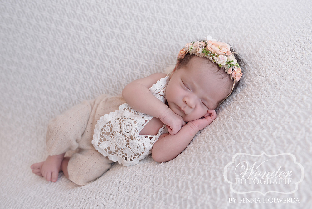newborn fotoshoot photoshoot shoot bloemen pastel beste mooiste almere