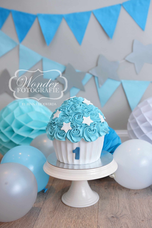 Cake Smash Fotoshoot taart cupcake blauw wit sterren