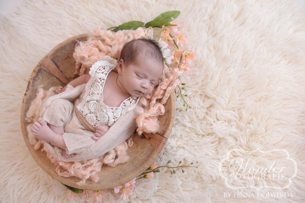 Newborn Fotoshoot Fotografie Baby Shoot photoshoot babyshoot babyfotoshoot mooiste beste puur naturel fotograaf nederland