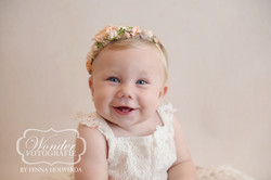 Sitter Session Babyportret Babyfotoshoot 8 maanden baby zelfstandig zitten