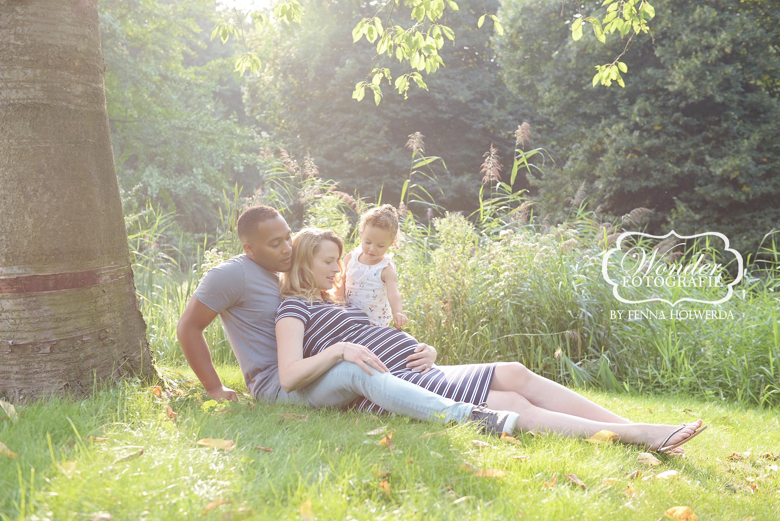 Zwangerschapsfotoshoot zwangerschapsshoot buiten mooiste 44