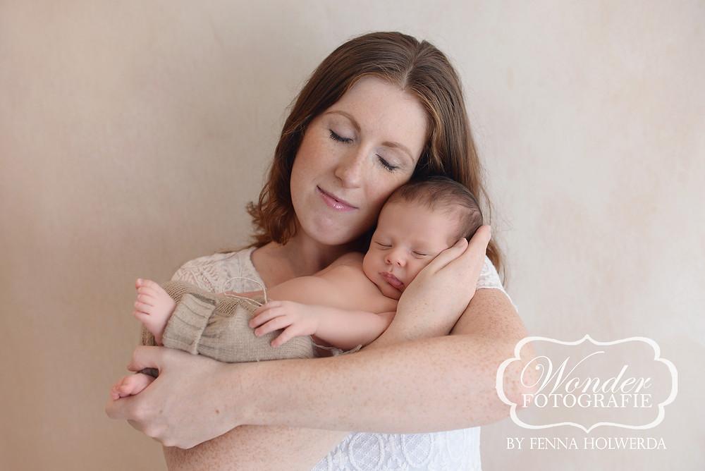 Fine Art Newborn Fotoshoot Photoshoot Fotograaf Almere babyfotoshoot Soest Amersfoort Almere Lelystad