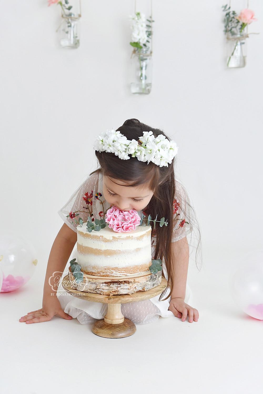 Boho cake smash fotoshoot photoshoot fotografie meisje 5 jaar oud