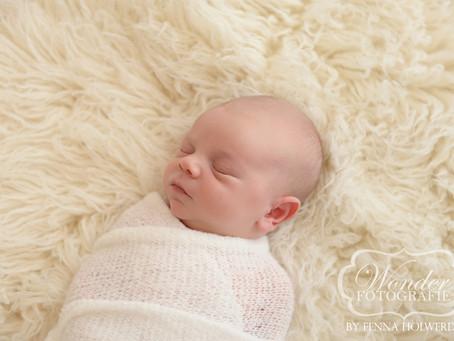 Newborn Fotoshoot Felipe uit Voorschoten